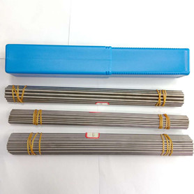 出售YL10.2硬质合金带孔圆棒