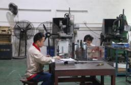 硬质合金模具的流动性和松装密度的检测