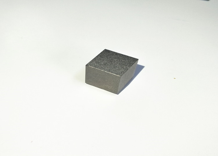 纯钼小方块(图4)